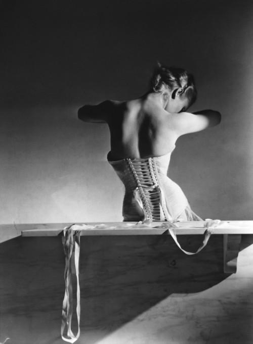 CORSET-1939 Vogue Horst