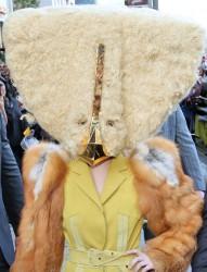 Lady gaga com mascara