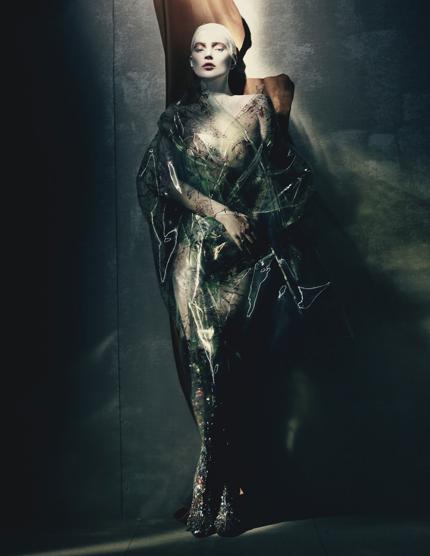 kate-moss-by-paolo-roversi-for-w-magazine-april-2015-3