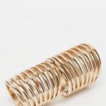 River Island Coil Hinged Ring €13,70 na Asos