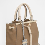 River Island Ladylike Duffle Bag €47,81 na Asos