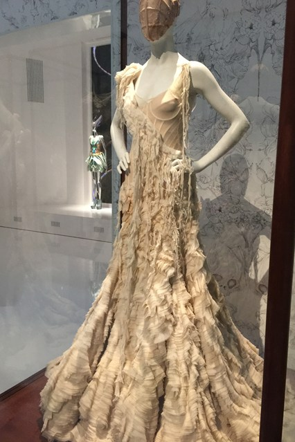 Alexander McQueen - Savage Beauty - Victoria and Albert Museum (10)