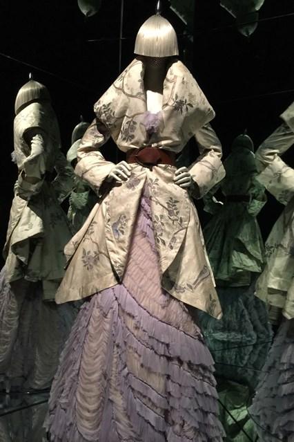 Alexander McQueen - Savage Beauty - Victoria and Albert Museum (11)