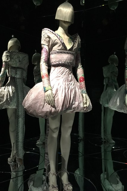 Alexander McQueen - Savage Beauty - Victoria and Albert Museum (12)