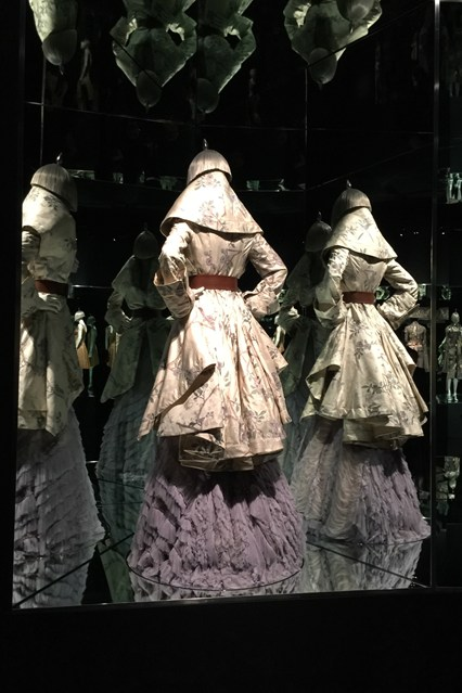 Alexander McQueen - Savage Beauty - Victoria and Albert Museum (13)