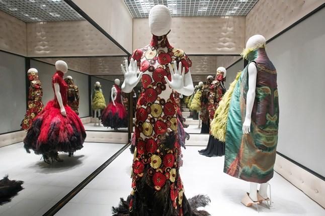 Alexander McQueen - Savage Beauty - Victoria and Albert Museum (2)