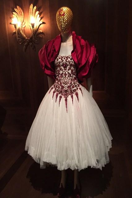 Alexander McQueen - Savage Beauty - Victoria and Albert Museum (23)