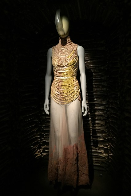 Alexander McQueen - Savage Beauty - Victoria and Albert Museum (24)