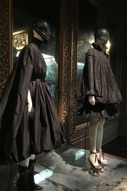 Alexander McQueen - Savage Beauty - Victoria and Albert Museum (25)