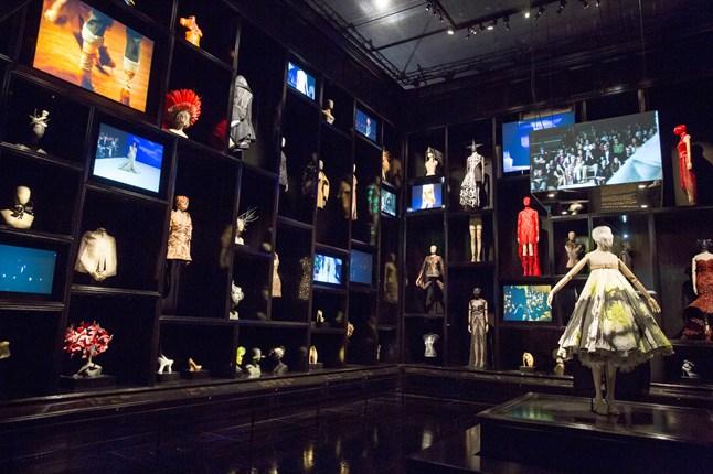 Alexander McQueen - Savage Beauty - Victoria and Albert Museum (33)