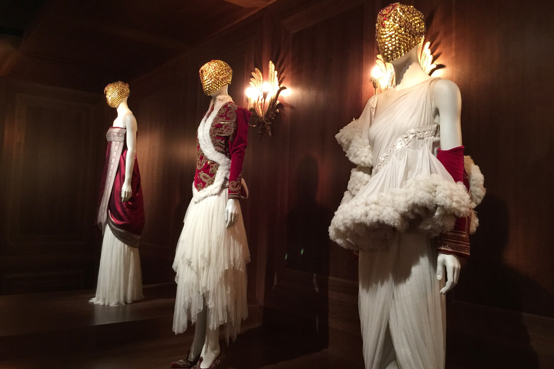 Alexander McQueen - Savage Beauty - Victoria and Albert Museum (35)