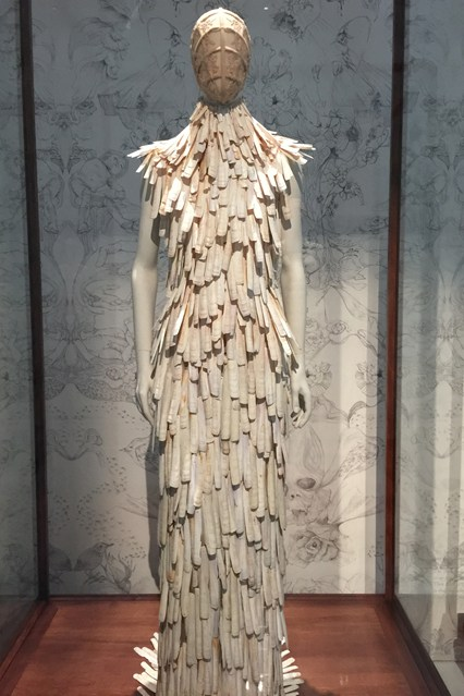 Alexander McQueen - Savage Beauty - Victoria and Albert Museum (8)