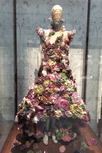 Alexander McQueen - Savage Beauty - Victoria and Albert Museum (9)