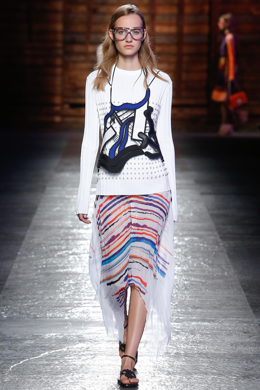 aa794fb52 Polícia da Moda | Milan Fashion Week Verão 2016 - Os 100 look mais ...