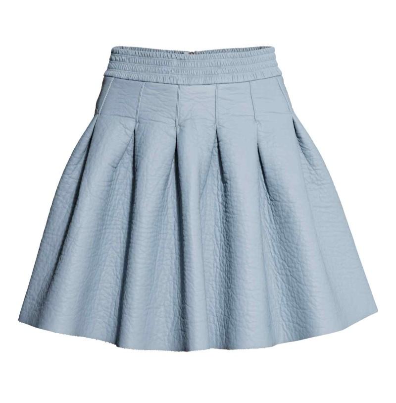 """Saia rodada em tecido """"hi tech"""" azul claro H&M, €39,99"""