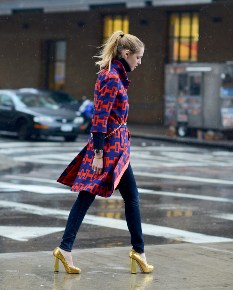 Street Style Walking in the rain