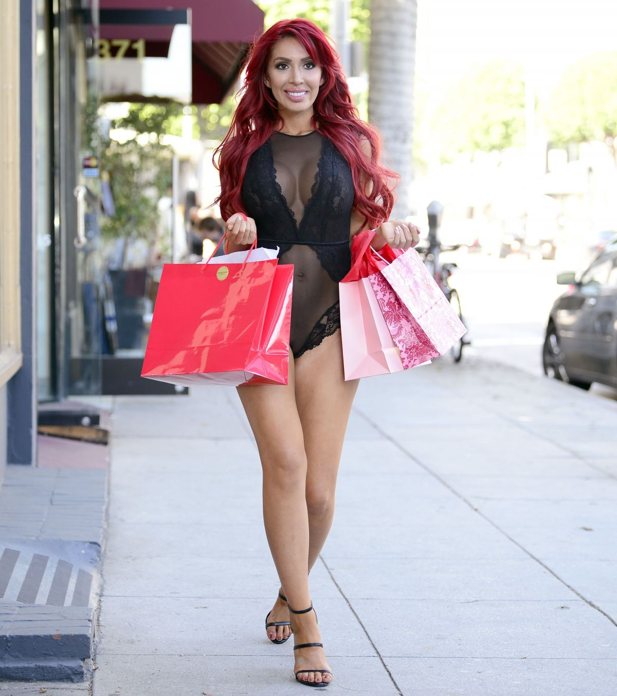 farrah-abraham-reveals-all-during-a-new-photoshoot-in-los-angeles-7